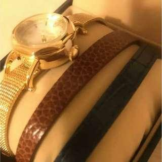 It is not Chanel, Hermes, Rolex, Bally, Lanvin, Givenchy, Balenciaga. It is Japan Salon watch full set. good working.                                  ((NO BARGAIN, PLS!拜托!!))