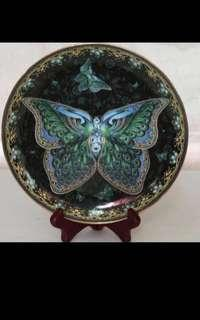 {Collectibles Item - Vintage Plate/Saucer} Gorgeous Plate number 2546B In The Limited Edition Of Emerald Elegance By Oleg Gavrilov First Issue In The Enchanted Wings 1998 Come With Stand
