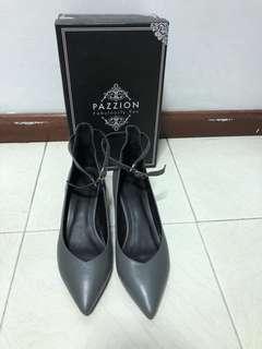 🚚 Pazzion Grey Heels