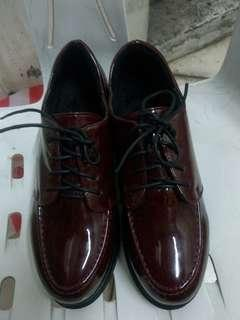 Shiny Oxford Shoes Size 39