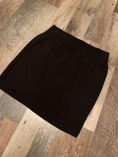🚚 Black Skirt