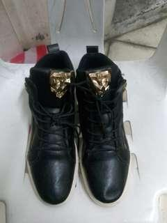 FASHION Black Sneakers Size 42