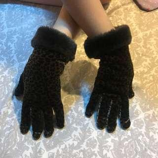 Animal Print Winter Gloves