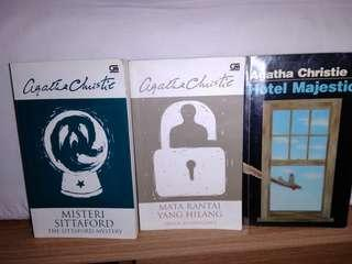 3 Books of Agatha Christie
