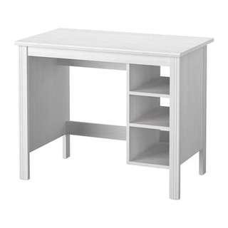 IKEA BRUSALI 純白木書檯 White Table (90% New)