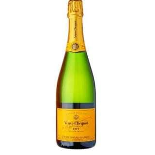 Veuve Clicquot Brut Champagne for Sale *Brand New*Still in seal - only at SGD50