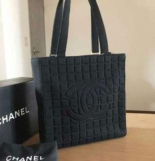 JAPAN CHANEL BAG, not Hermes, Rolex, Lanvin, Balenciaga, Givenchy, BMW, BENZ. ((NO BIG BARGAIN, PLS拜托!)) 日本名牌手袋
