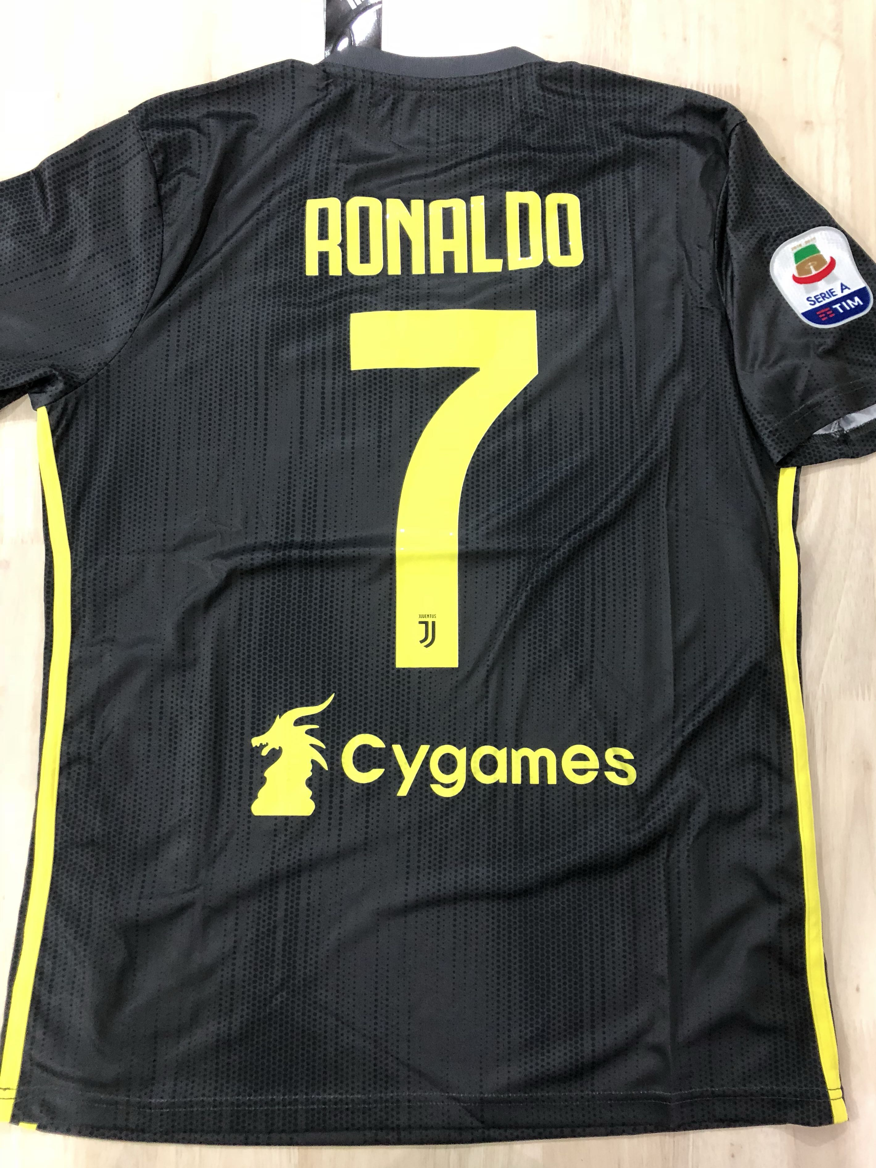 823d4a97 In Stock: Juventus Away Jersey 18/19, Sports, Sports Apparel on ...