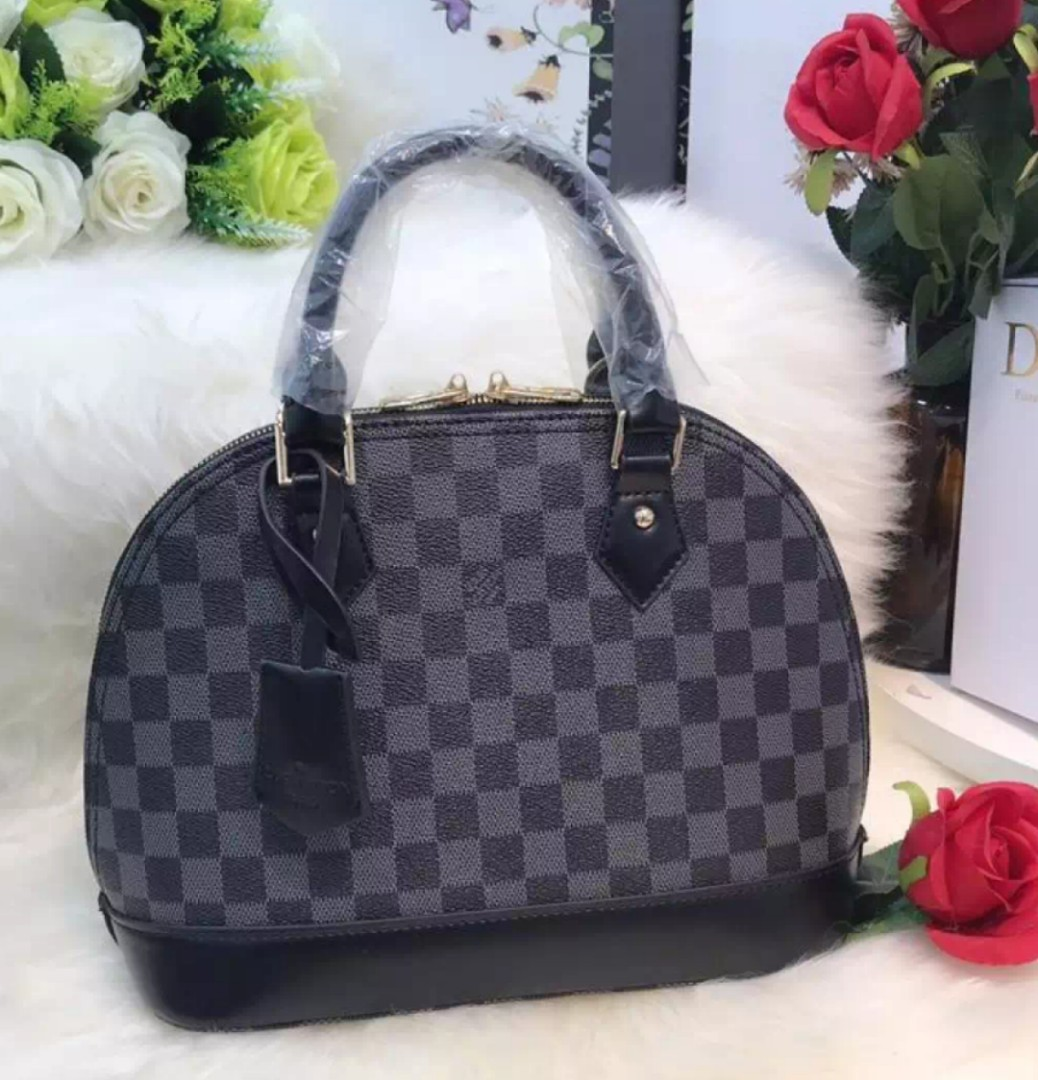 ba1c3adb916 Louis Vuitton ALMA PM Handbag with Sling