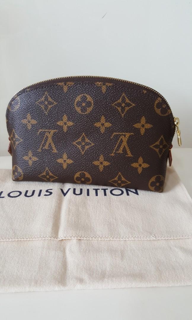 4b8e0c40fa9f Louis Vuitton Cosmetic Pouch PM