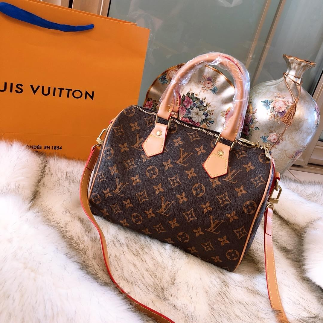 efe49bb9a Louis Vuitton SPEEDY 25 BANDOULIERE Handbag with Sling, Luxury, Bags ...
