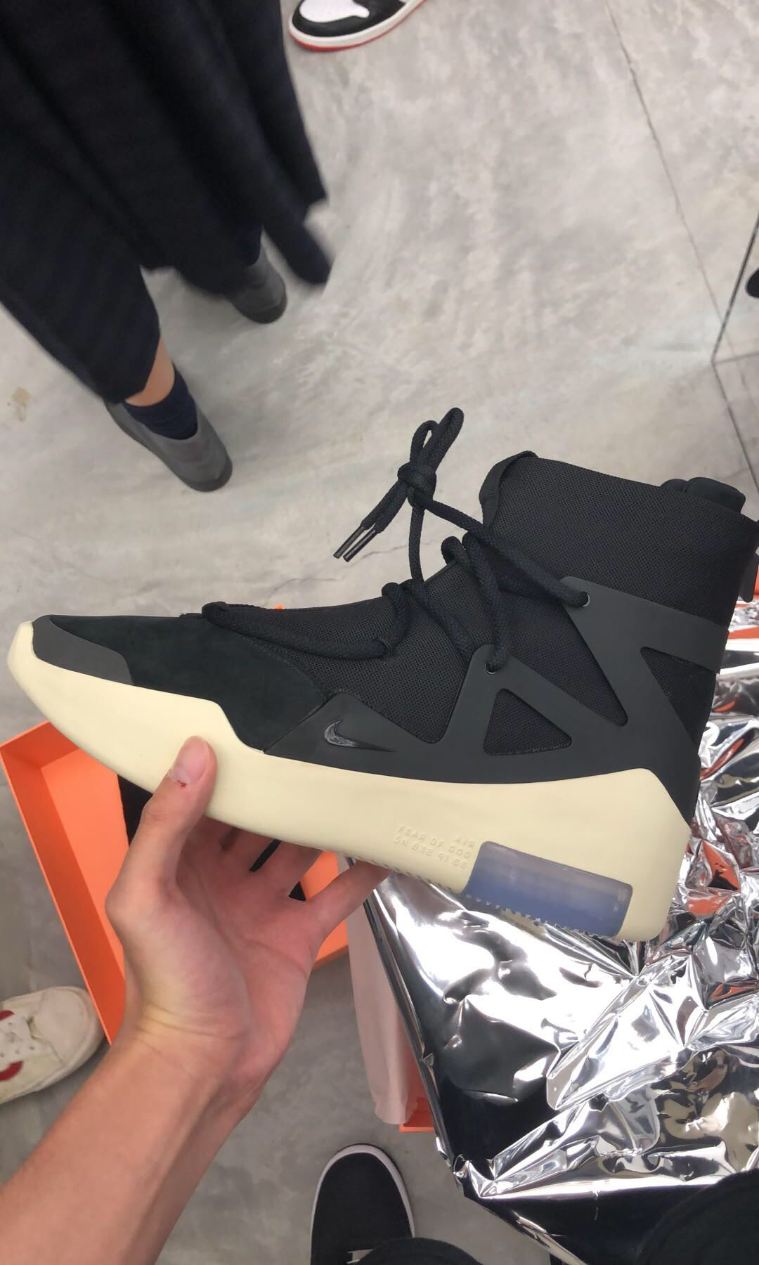 0d04e8334 Nike Air Fear Of God High Top Sneaker US9.5, Men's Fashion, Footwear,  Sneakers on Carousell