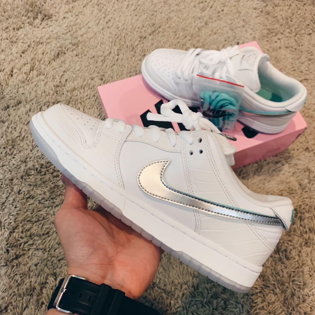 5b4bb2b46c30 Nike SB Diamond Dunk white US 8