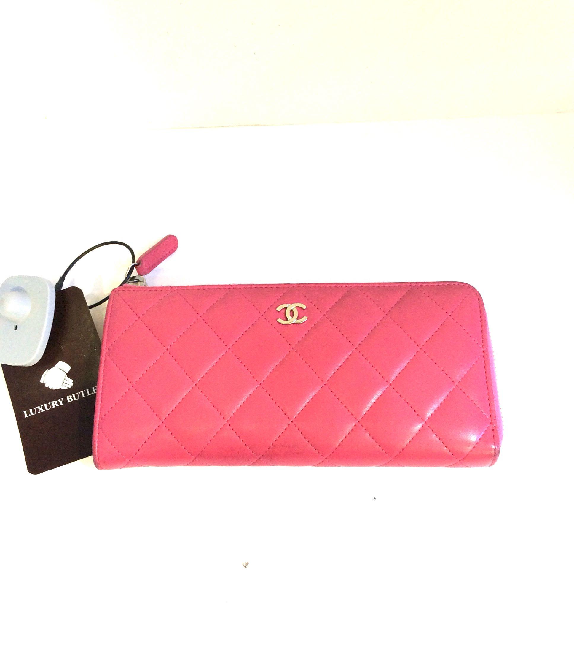 f7e8db3deb2519 Preloved Chanel zipped Wallet, Women's Fashion, Bags & Wallets ...