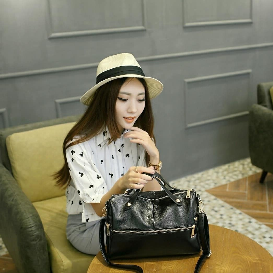 Tas import wanita model slingbag handbag emma jimshoney original on Carousell
