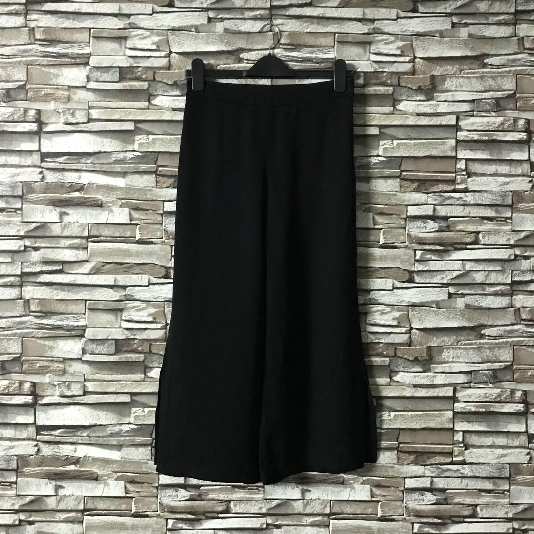 2eaf0ad4 Zara Black Culottes, Women's Fashion, Clothes, Pants, Jeans & Shorts ...