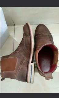 Boots kulit merek foot in