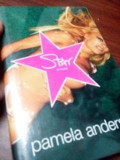 Pamela Anderson star novel