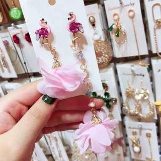 <free pos 3 pairs & above> Korean design pink flamingo floral petal flower earrings