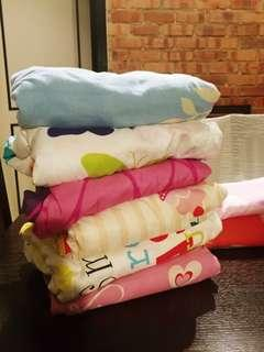 Queen Bed sheet and Single Bed Sheet for FREE