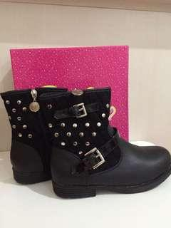 SALE!BARBIE BOOTS-ENIOLA