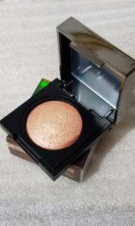 韓國CLIO眼影有盒 #02 Be More Coral  原價$140