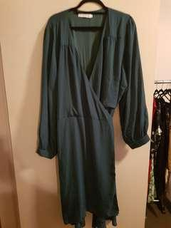 Atmos and here size 26 green wrap cocktail dress plus size