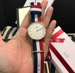 DW WATCH (LEATHER STRAP)