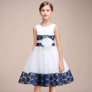 🚚 White With Blue Flora Gown