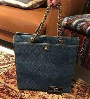 Chanel bag, not Hermes, Rolex, Lanvin, Balenciaga, Givenchy, BMW, BENZ. ((NO BIG BARGAIN, PLS拜托!)) 日本名牌手袋