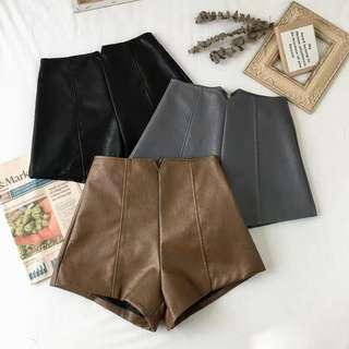 🚚 皮革短褲