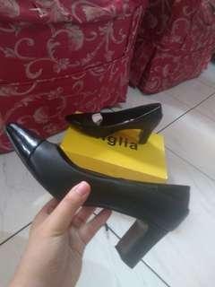 FIGLIA Balck Block Heels Size 8