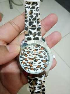 Jam tangan leopard
