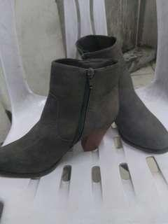 F&F Boots with Heels Size 4