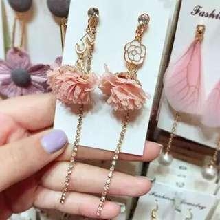 <free pos 3 pairs & above> Korean design pink floral petal diamond earrings