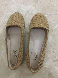 Ugg Size 36 Genuine Suede Leather Flats