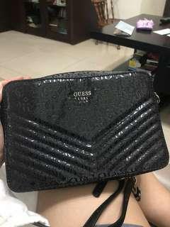NEW / BARU/ WITH TAG /Guess black sling crossbody mini bag