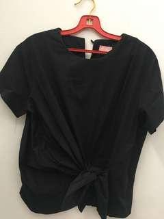 Ministry of retail black top