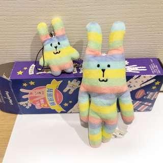 全新 全家  CRAFTHOLIC 宇宙人 絨毛磁鐵吊飾娃娃組-條紋兔款