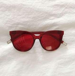 red sunnies.