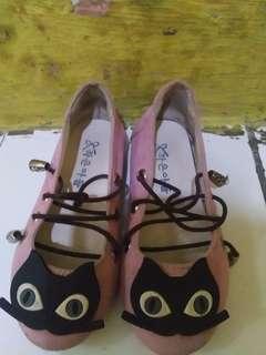 Sepatu tali anak perempuan preloved