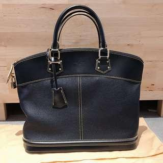 ❣️Louis Vuitton LV Suhali MM Lock it (Like New Condition)