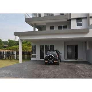 (Nego-Under mkt price) 2.5 storey Semi-D Perdana Lakeview East