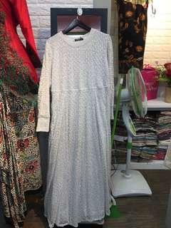Gamis gaun putih