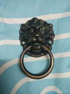 Metal Lion Door Decor
