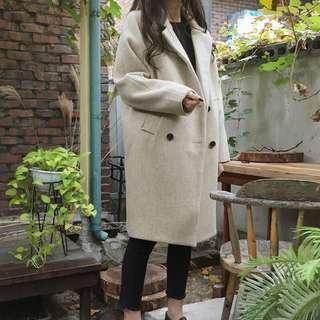 🚚 韓版長板米色大衣