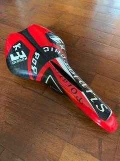 Full carbon fiber saddle