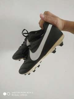 Nike Tiempo Premier FG US 8 / EUR 41 / UK 7