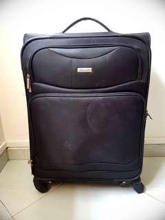 Blessing / Giveaway - Pierre Cardin Luggage