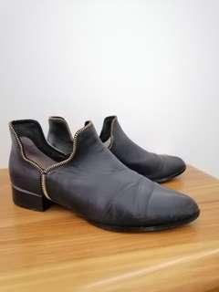 Senso Bailey black boot Gold zip